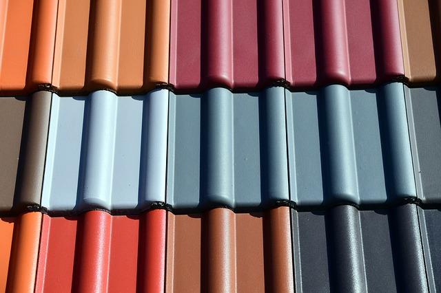 Des tuiles de différentes couleurs